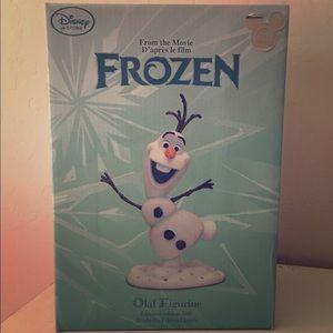 D23 Frozen Collectable